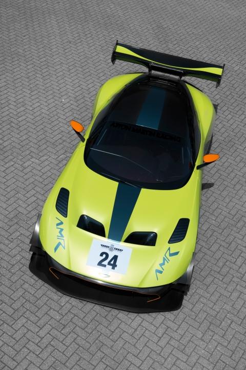 Aston Martin Vulcan AMR Pro Top