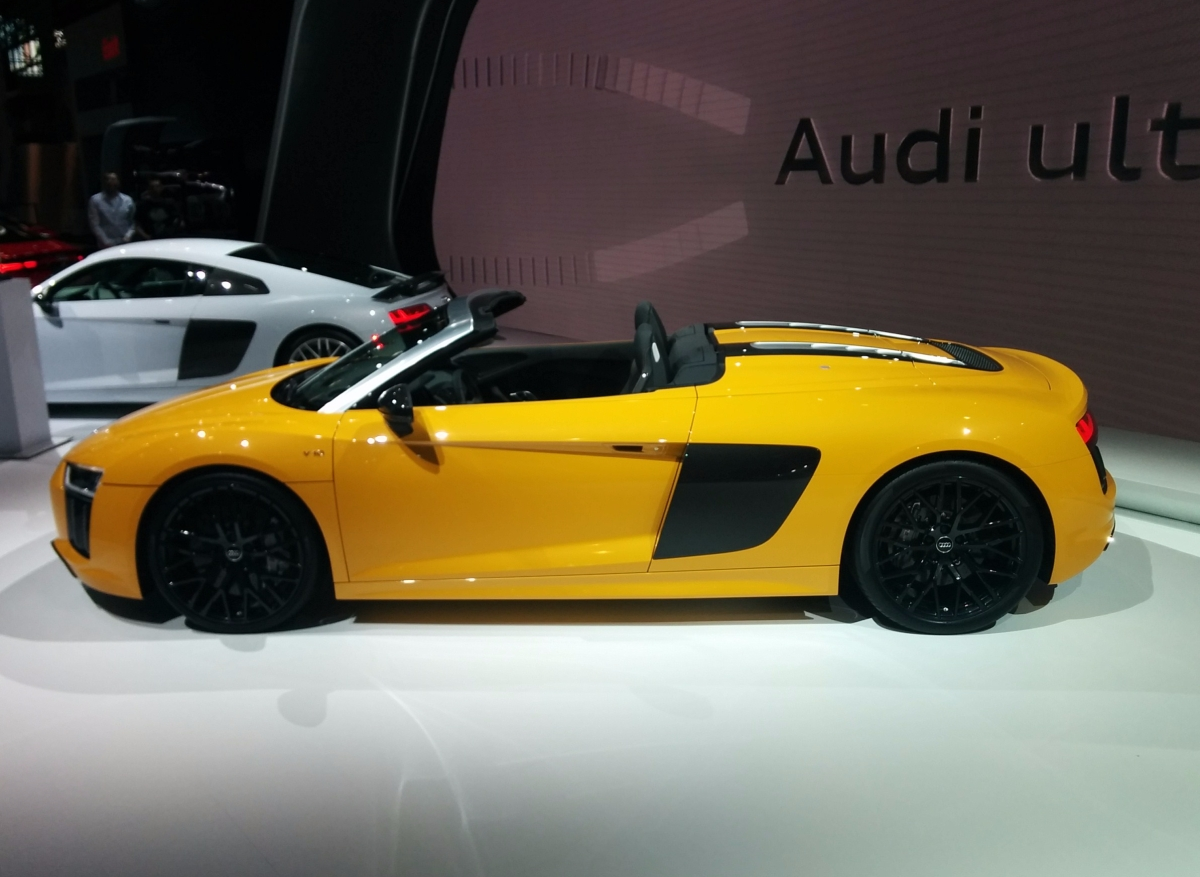 Yellow Audi R8 V10 Sider