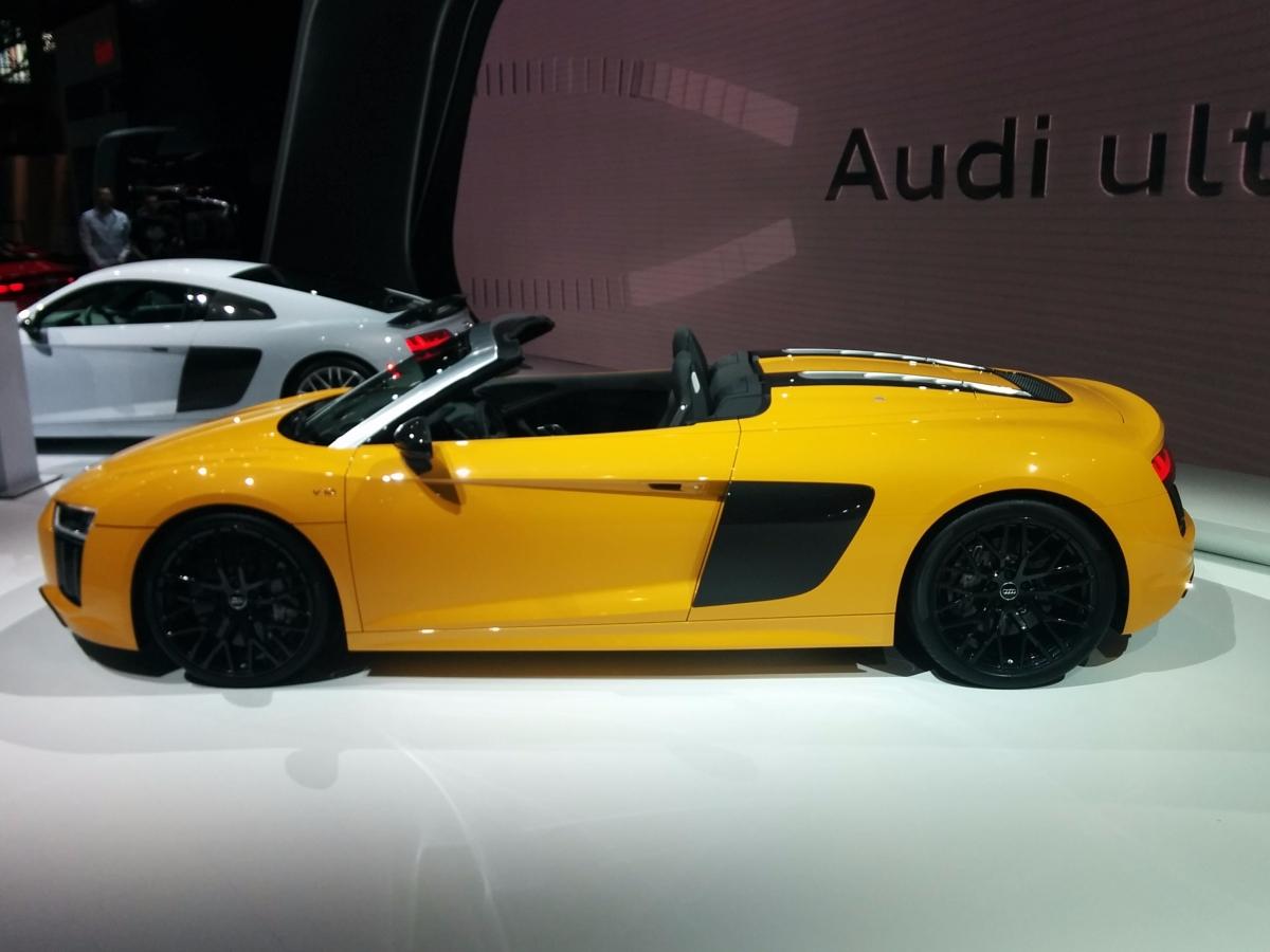 Yellow Audi R8 V10 Sider