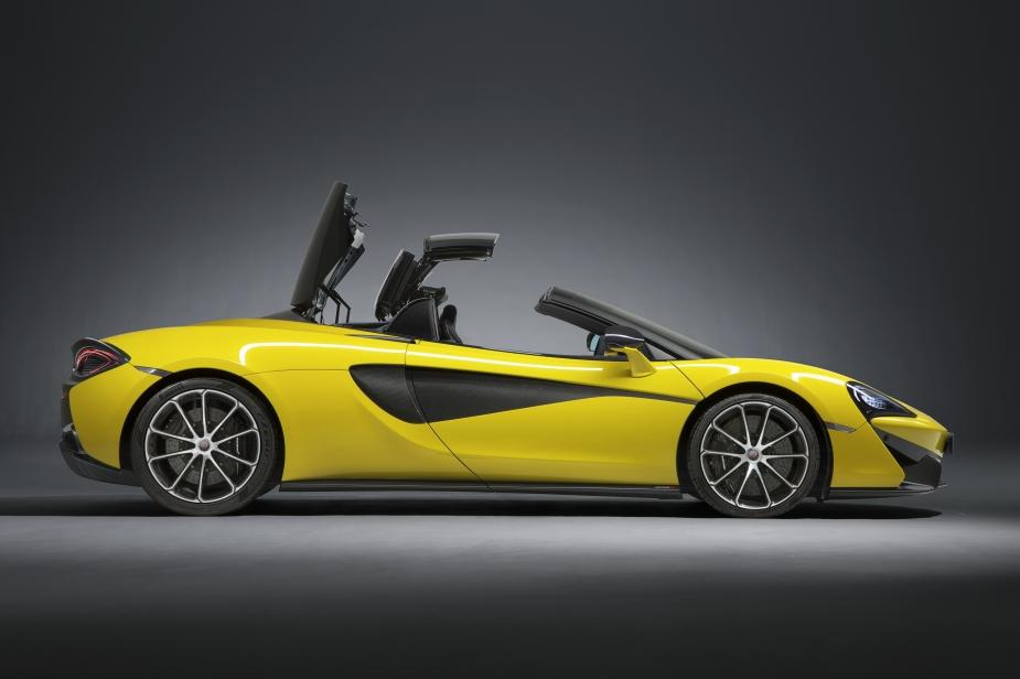 Medium-7827140617-McLaren-570S-Spider-4y