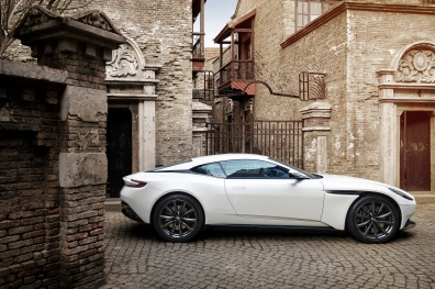 V8-Powered_DB11_09.jpg